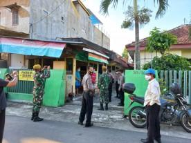 Pengawasan PPKM Darurat Bagi Pelaku Usaha di Wilayah Kelurahan Demangan